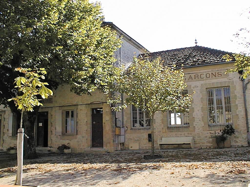 St Nazaire-de-Valentane école